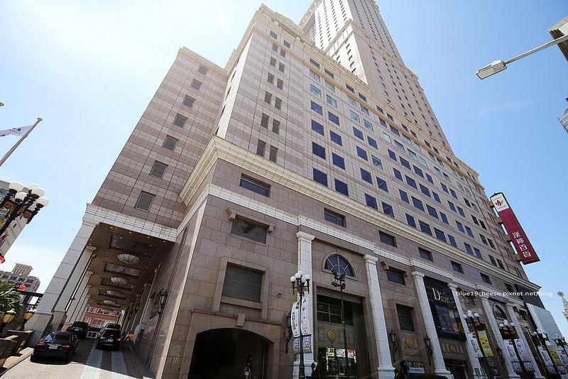 【高雄前金】漢來大飯店 – 交通便利.客房在15~19樓及26~42樓.一覽高雄景觀.早餐還有海港自助餐廳還是翠園餐廳可供選擇