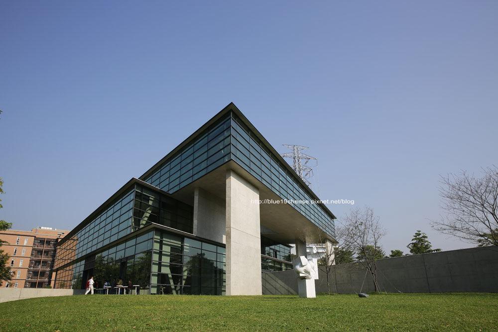 台中 亞洲大學安藤藝術館 – 旅行造就一位建築家.台灣第一座安藤館