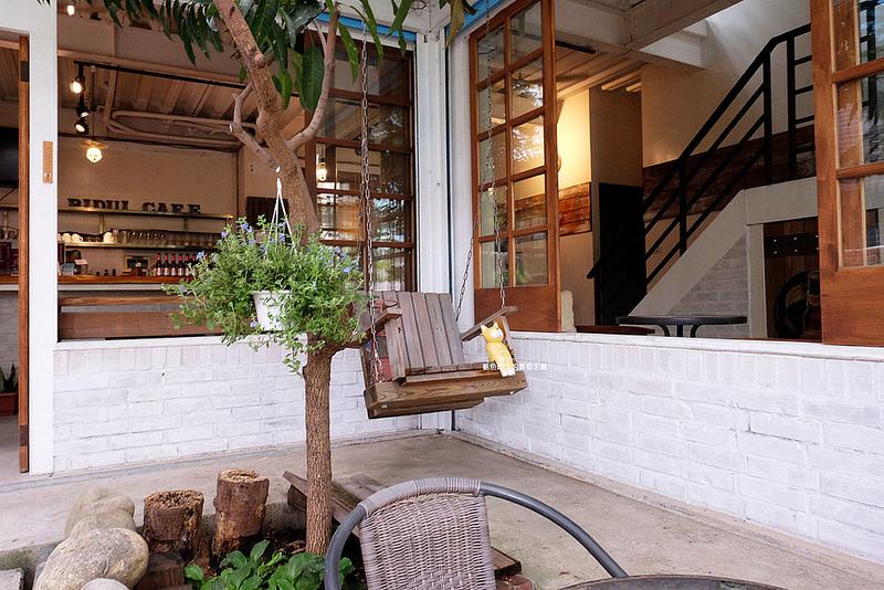eb75b8e517e62b8cc959163ce84b7ccb - 筆堆勤美店-筆堆咖啡好生活.紅磚牆老屋咖啡館.被綠意包圍.自然風.小昆蟲.沒有電話訂位.沒有冷氣.半室外空間