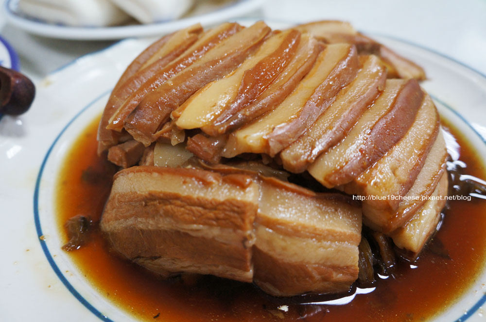 【台中大雅】復興餐廳 – 眷村巷弄美食小吃.香酥鴨和梅干扣肉必點.聚餐好地方.近清泉崗.東西都好吃.長輩也很喜歡.但是態度就….