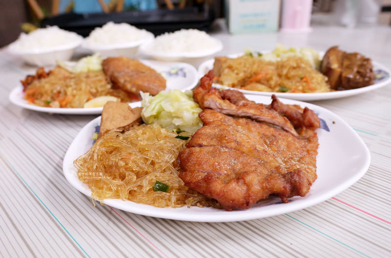 20170703111215 84 - 后呂村雞腿飯-台中便當.還有排骨飯獅子頭控肉飯魯肉飯鱈魚飯.人氣便當店.太慢來就吃不到雞腿飯了