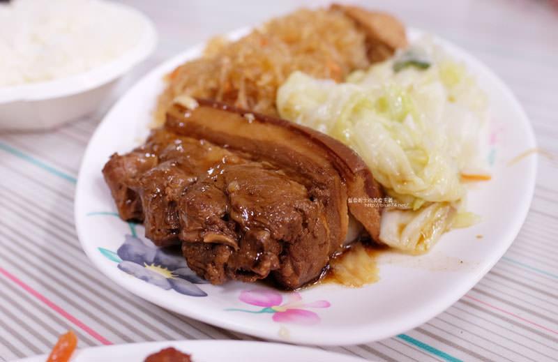 20170703114148 37 - 后呂村雞腿飯-台中便當.還有排骨飯獅子頭控肉飯魯肉飯鱈魚飯.人氣便當店.太慢來就吃不到雞腿飯了