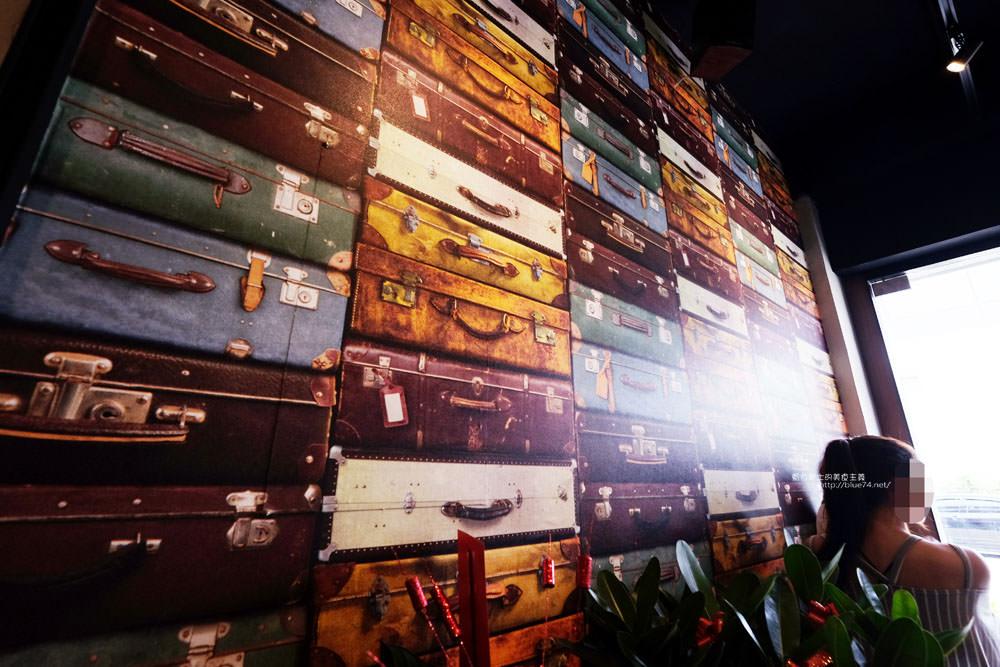 20170705174948 4 - 艾斯酷比-沙鹿雪花冰專賣店.工業風搭配清水模及行李牆面