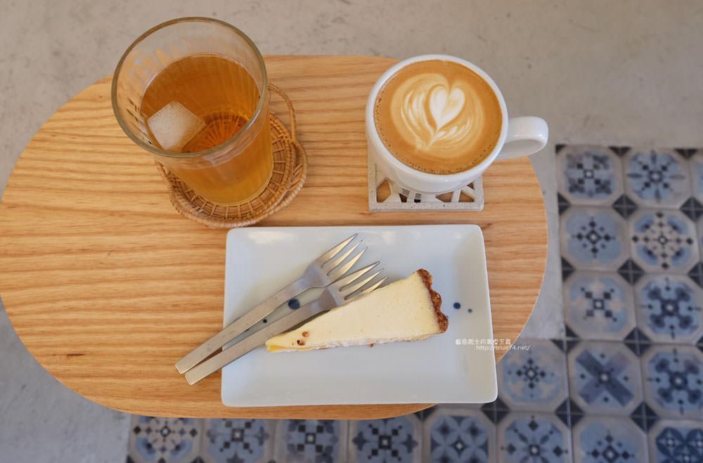 台中西區│著手咖啡-向上市場裡面以工作室為主的咖啡空間