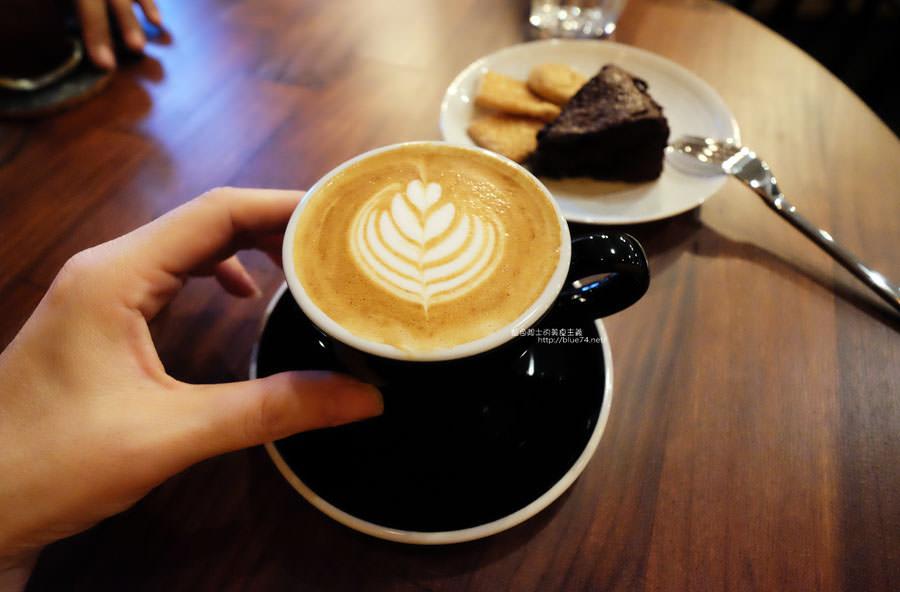 台中西屯│裕森咖啡-曾在嘉義開業三年.開在新光對面的咖啡館