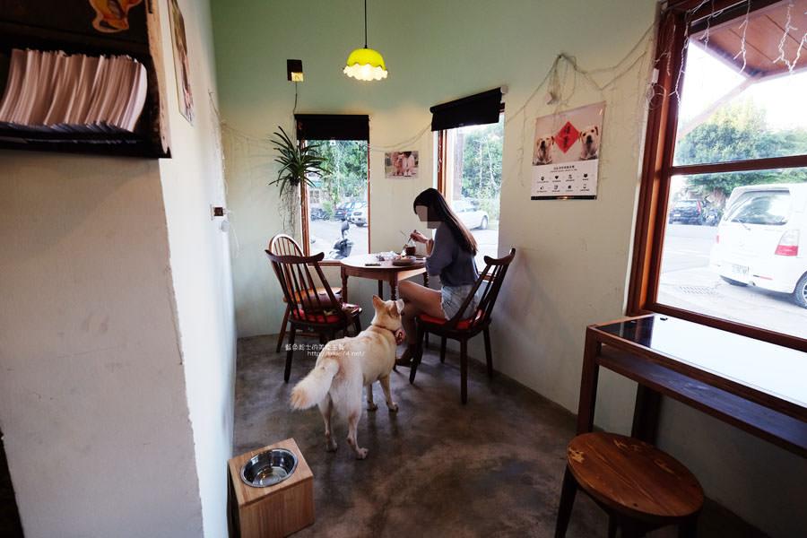 20171031225132 11 - 浪浪別哭-黎明新村裡的流浪動物中途餐廳.可愛毛小孩陪你下午茶