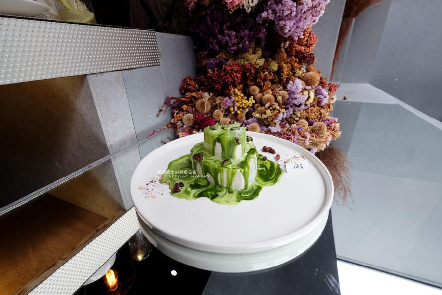 20171103011508 96 - 偷偷Toutou Cuisine-在精明商圈巷弄唯美玻璃屋乾燥花包圍.偷偷吃雙層心型夢幻抹茶和粉嫩金字塔甜點