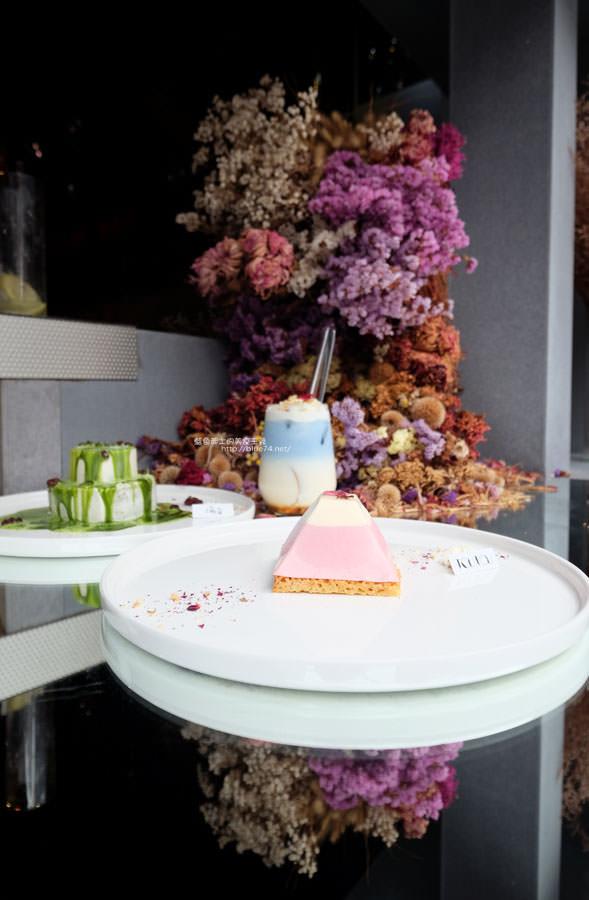20171103011513 67 - 偷偷Toutou Cuisine-在精明商圈巷弄唯美玻璃屋乾燥花包圍.偷偷吃雙層心型夢幻抹茶和粉嫩金字塔甜點