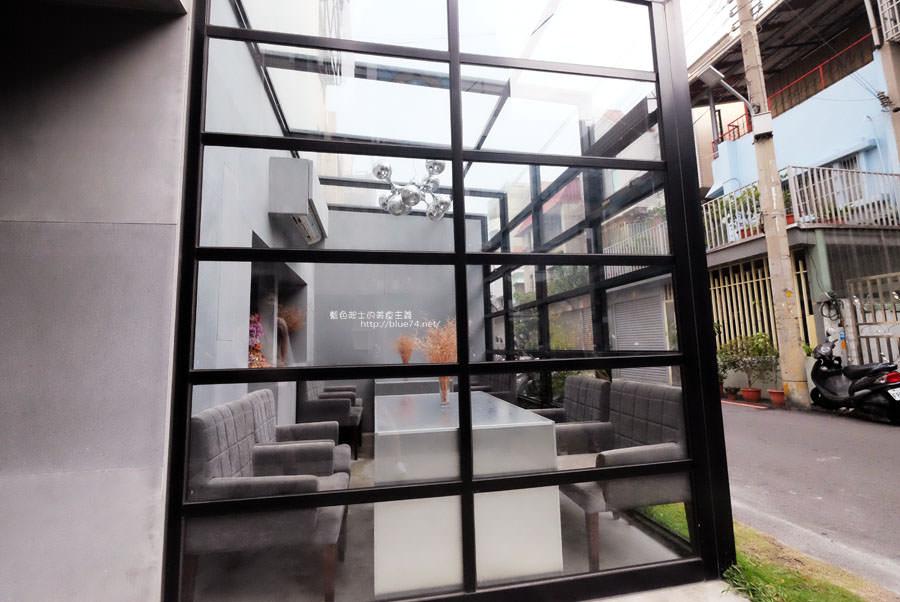 20171103011529 20 - 偷偷Toutou Cuisine-在精明商圈巷弄唯美玻璃屋乾燥花包圍.偷偷吃雙層心型夢幻抹茶和粉嫩金字塔甜點