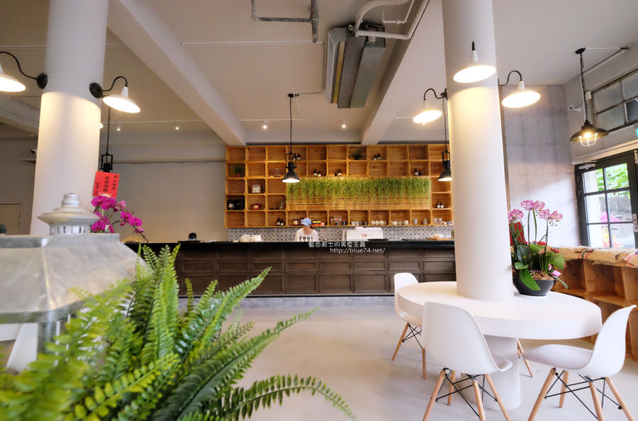 20171113021203 25 - 今咖啡Jingcoffee-台中後火車站20號倉庫旁推薦老屋新生隱密巷弄 LOFT風咖啡館