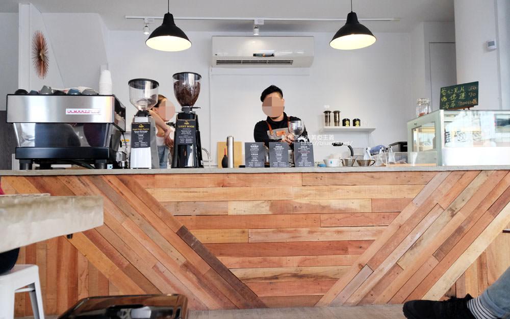 20171123003034 68 - LightBeam Coffee Roasters-一中商圈簡約明亮咖啡館.找晨早午餐老闆新作