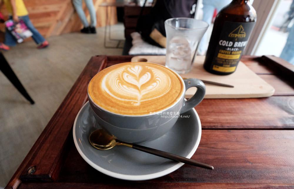 20171123003042 62 - LightBeam Coffee Roasters-一中商圈簡約明亮咖啡館.找晨早午餐老闆新作
