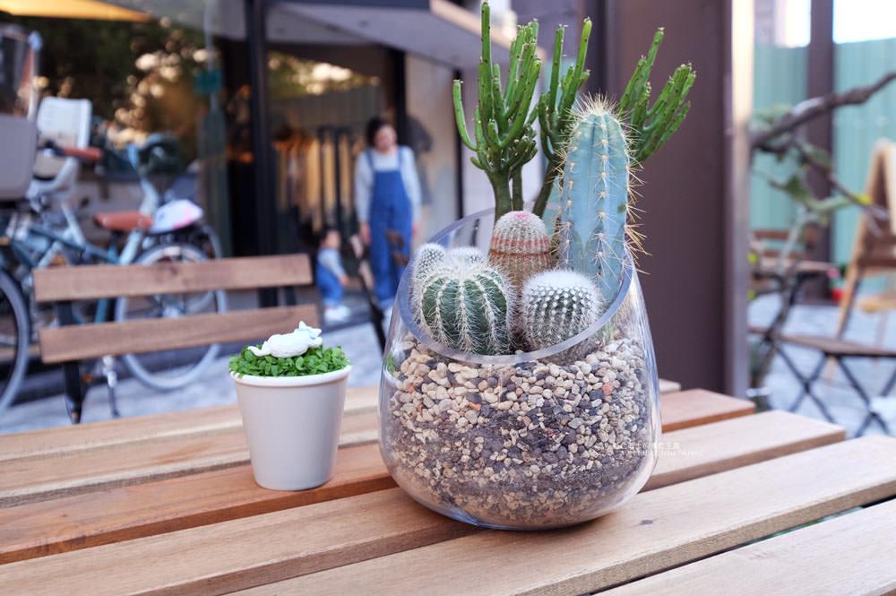 20171124003241 82 - 玖安飛飛│北區有設計感的咖啡館.吃輕食喝咖啡再來份下午茶甜點~