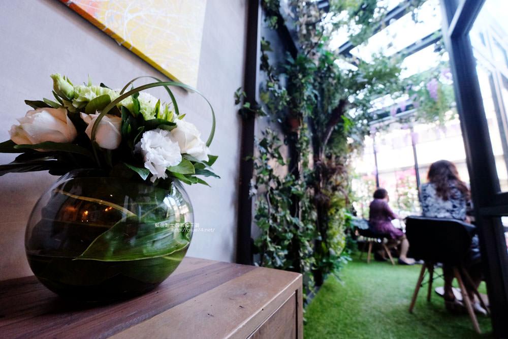 20171127202001 5 - 瑞文戴爾手作甜點-好拍的唯美精靈花園甜點玻璃屋及夢幻迴旋梯
