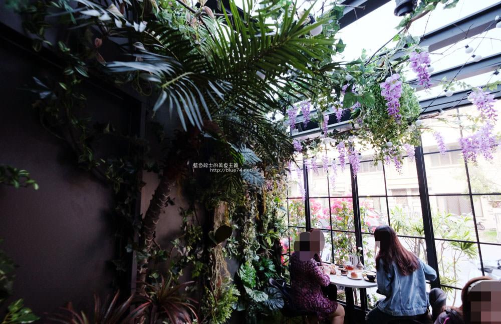 20171127202003 80 - 瑞文戴爾手作甜點-好拍的唯美精靈花園甜點玻璃屋及夢幻迴旋梯
