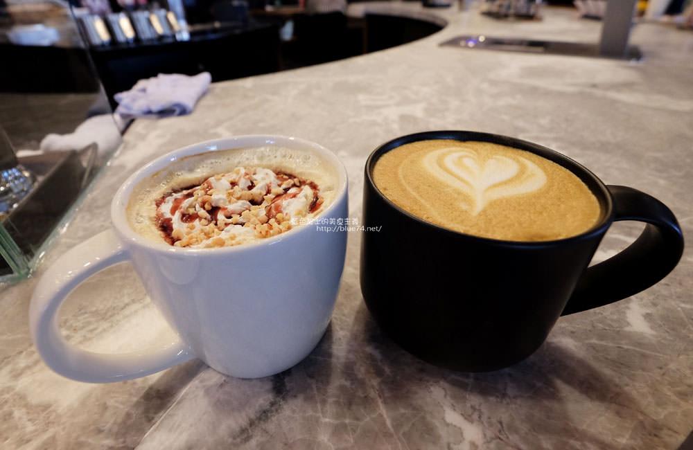 20171212234052 44 - 星巴克台中大英門市-咖啡城市中的全台第二間星巴克摩登典藏吧台門市.中南部唯一的雙吧台