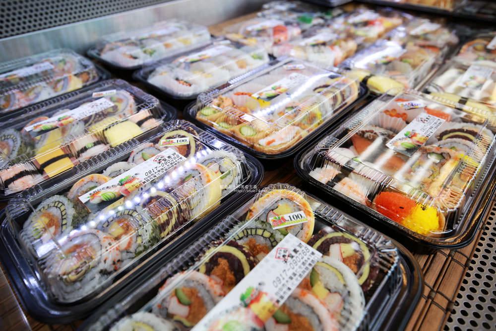 20171214010256 87 - 熱血採訪│天皇壽司,大里仁化黃昏市場新鮮平價外帶選擇性多花壽司,還有100元的丼飯也太划算!