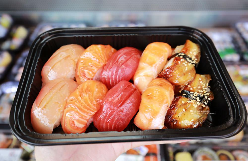 20171214010321 78 - 熱血採訪│天皇壽司,大里仁化黃昏市場新鮮平價外帶選擇性多花壽司,還有100元的丼飯也太划算!