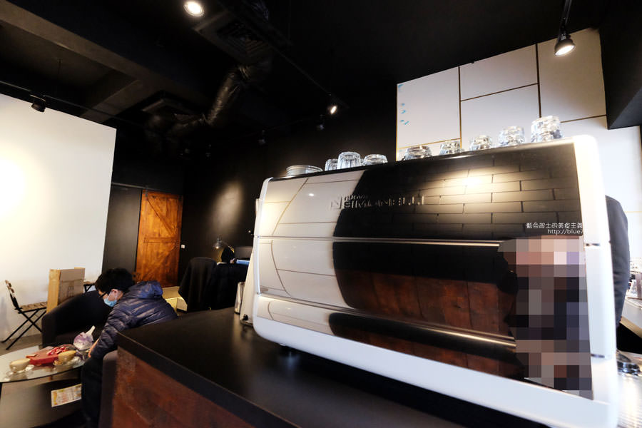 20171219142112 31 - 深島咖啡Deep Island Coffee-天氣好冷.來杯暖呼呼的深島設計珈琲店的招牌咖啡