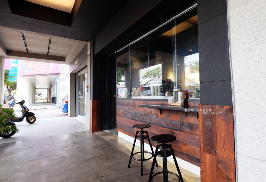 20171219142118 14 - 深島咖啡Deep Island Coffee-天氣好冷.來杯暖呼呼的深島設計珈琲店的招牌咖啡