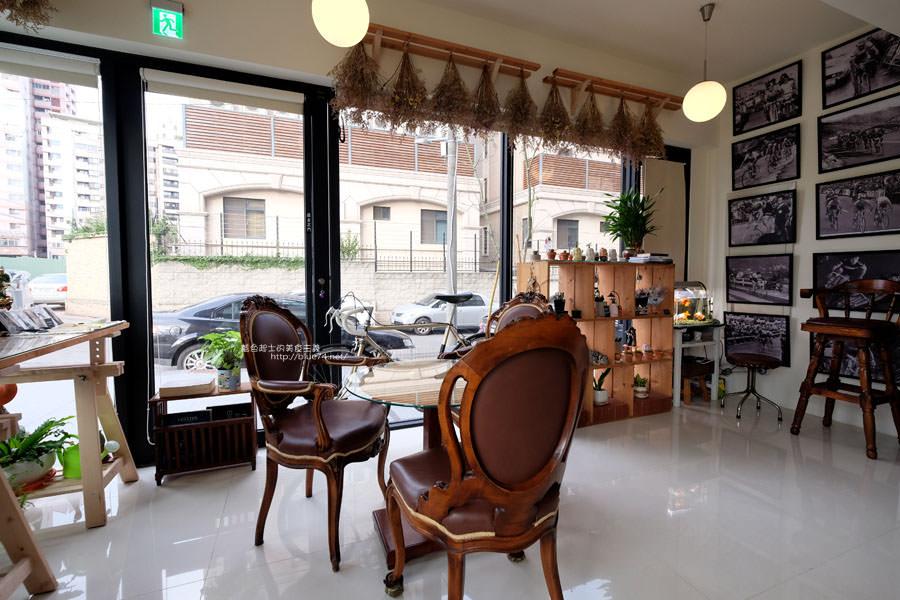 20171221113332 5 - A1 Coffee德邑咖啡-轉角光線充足中科咖啡館