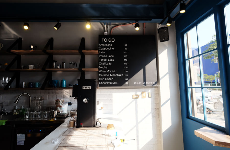20171223015940 30 - Pluto Espressoria-咖啡館新打卡點.迷人的藍色系雙店面及店長小寶