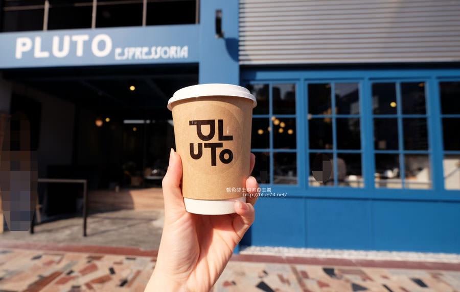 20171223015949 40 - Pluto Espressoria-咖啡館新打卡點.迷人的藍色系雙店面及店長小寶
