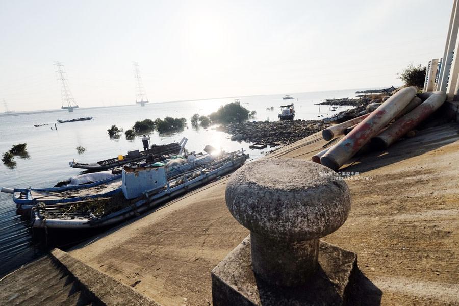 20171223232402 78 - 麗水漁港-百年漁港變身希臘風格拍照打卡景點.還有龍井堤防自行車道西瓜皮休憩座位區跟彩虹廊道喔
