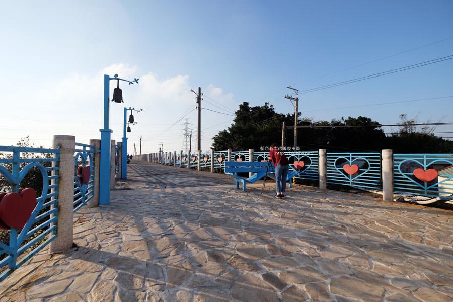 20171223232406 42 - 麗水漁港-百年漁港變身希臘風格拍照打卡景點.還有龍井堤防自行車道西瓜皮休憩座位區跟彩虹廊道喔