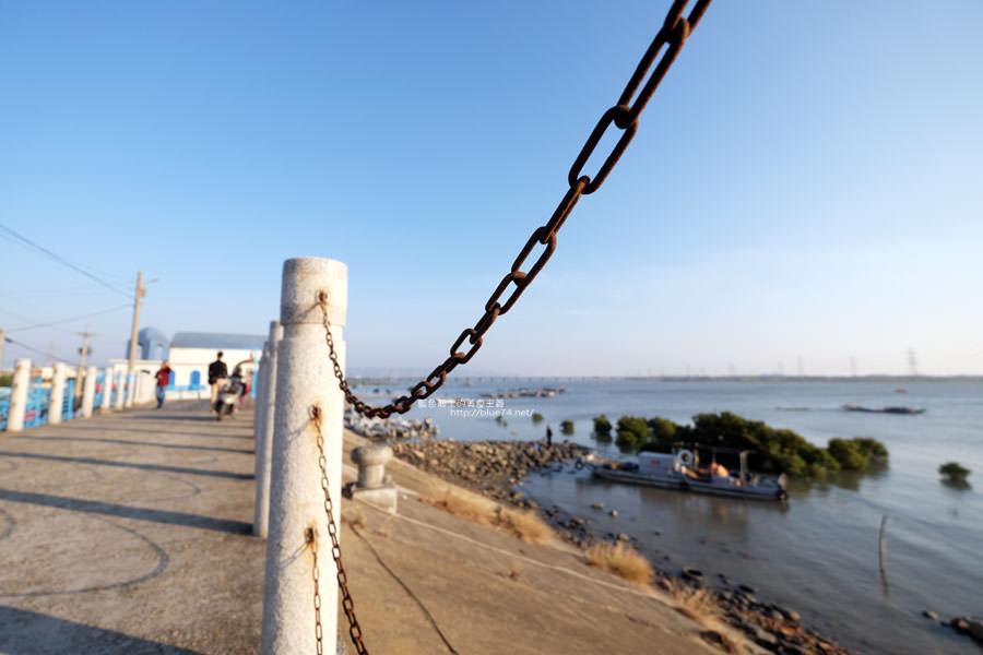 20171223232410 100 - 麗水漁港-百年漁港變身希臘風格拍照打卡景點.還有龍井堤防自行車道西瓜皮休憩座位區跟彩虹廊道喔
