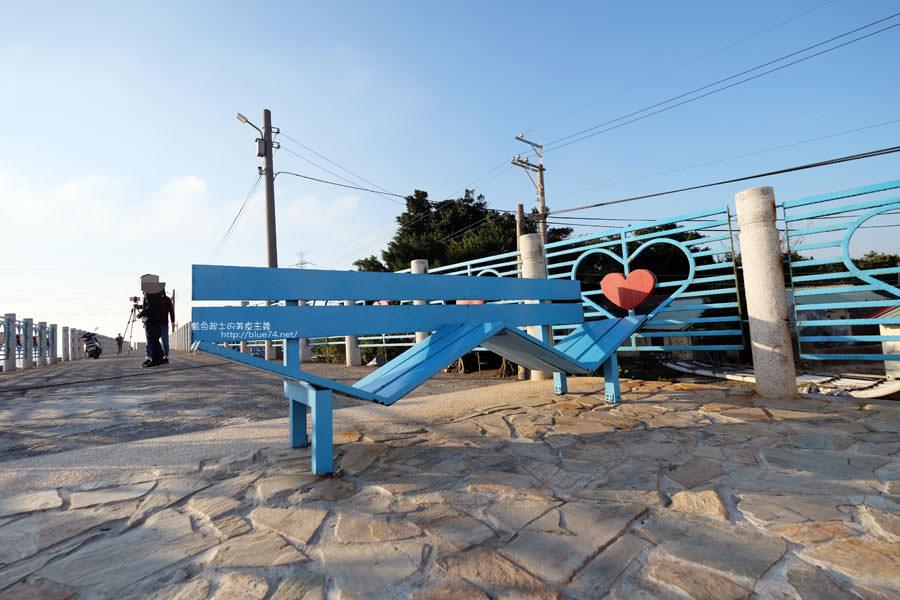 20171223232414 21 - 麗水漁港-百年漁港變身希臘風格拍照打卡景點.還有龍井堤防自行車道西瓜皮休憩座位區跟彩虹廊道喔