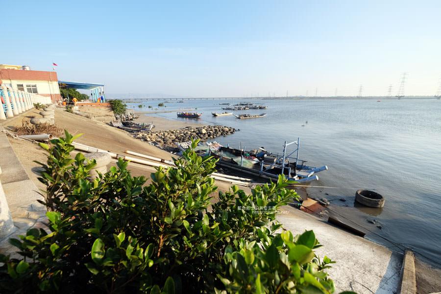 20171223232416 40 - 麗水漁港-百年漁港變身希臘風格拍照打卡景點.還有龍井堤防自行車道西瓜皮休憩座位區跟彩虹廊道喔