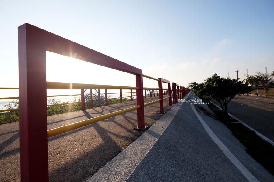 20171223232421 37 - 麗水漁港-百年漁港變身希臘風格拍照打卡景點.還有龍井堤防自行車道西瓜皮休憩座位區跟彩虹廊道喔