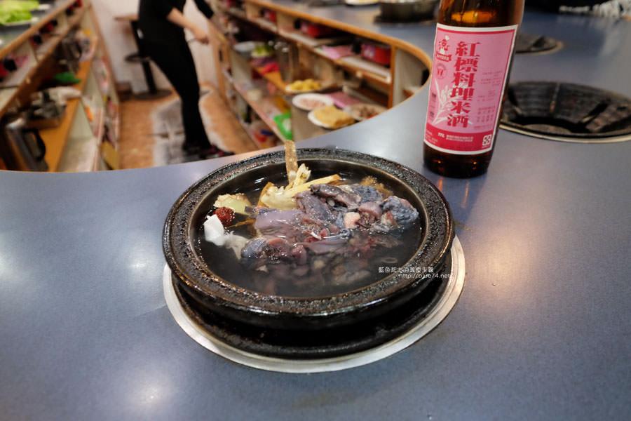 20180103014450 90 - 阿里郎迷你火鍋-整罐米酒的燒酒雞.蒜頭雞有滿滿的蛤蜊和蒜頭