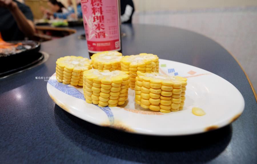 20180103014504 88 - 阿里郎迷你火鍋-整罐米酒的燒酒雞.蒜頭雞有滿滿的蛤蜊和蒜頭
