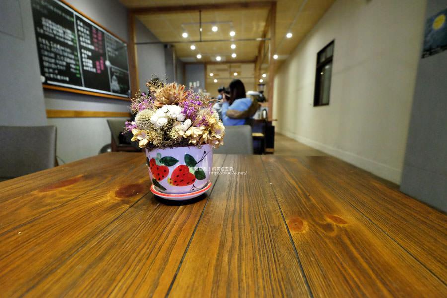 20180103014835 59 - 榮咖啡-沙鹿海線咖啡館.還有可愛店長榮貓