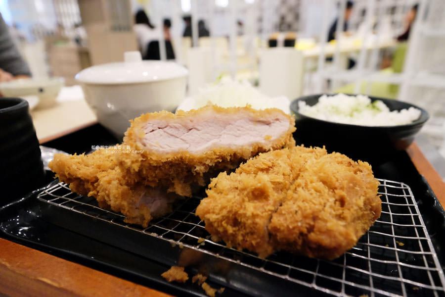 品田牧場台中東海店-進駐Jmall食尚廣場.花壽司和握壽司豬排有創意.268元套餐滿划算的