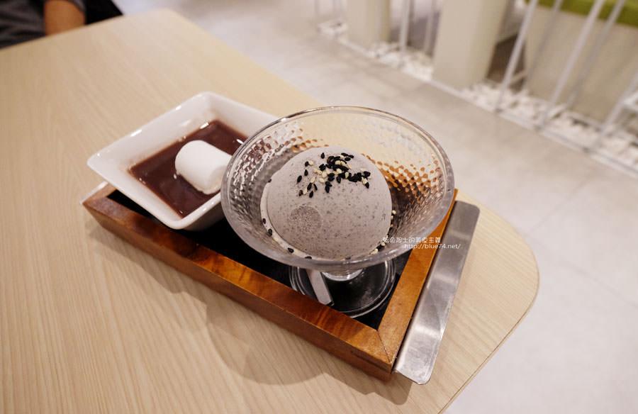 20180109010733 40 - 品田牧場台中東海店-進駐Jmall食尚廣場.花壽司和握壽司豬排有創意.268元套餐滿划算的