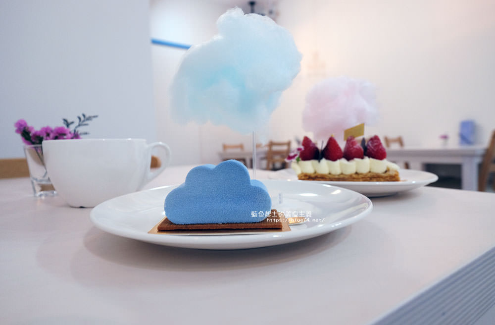 台中南屯│小雲朵甜點工作室-從販賣機到店面的視覺系甜點