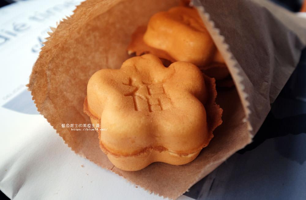 20180126014432 44 - 花福雞蛋糕-米黃色可愛攤車.花型雞蛋糕.你今天花福了嗎