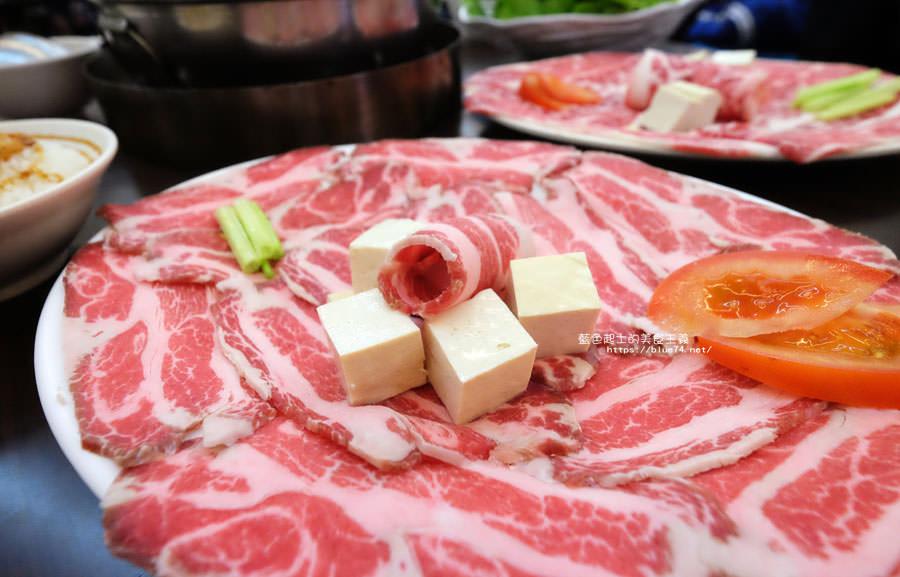 20180128005757 66 - 賢哥牛肉爐-來自彰化.走過一甲子的祖傳牛肉湯頭及自製沙茶醬.也有豬肉鍋