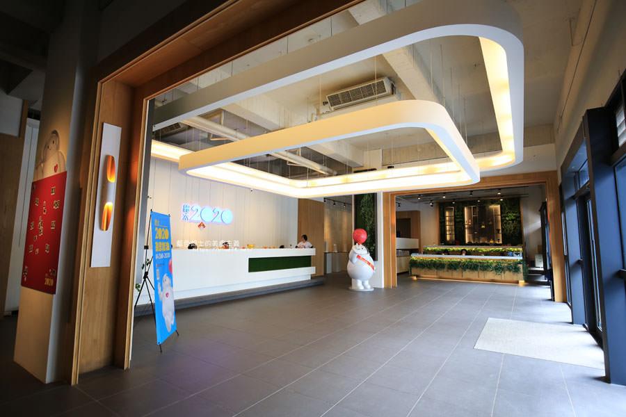 20180222114247 16 - 歐雅英雄主題館-各大英雄公仔與雕像.彩虹球池和溜滑梯.都在總太2020接待中心的二樓.免費參觀