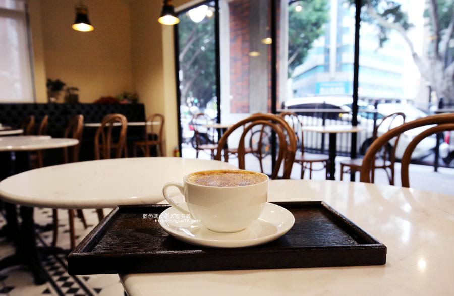 20180224013709 24 - Cross Caffe就享手沖單品義式咖啡-十字街角光線充足咖啡館