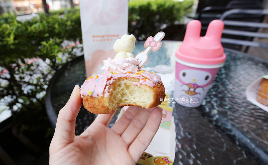 20180226095637 35 - 統一多拿滋Mister Donut-春日限定Hello Kitty雲朵甜甜圈超卡哇依療癒的啦
