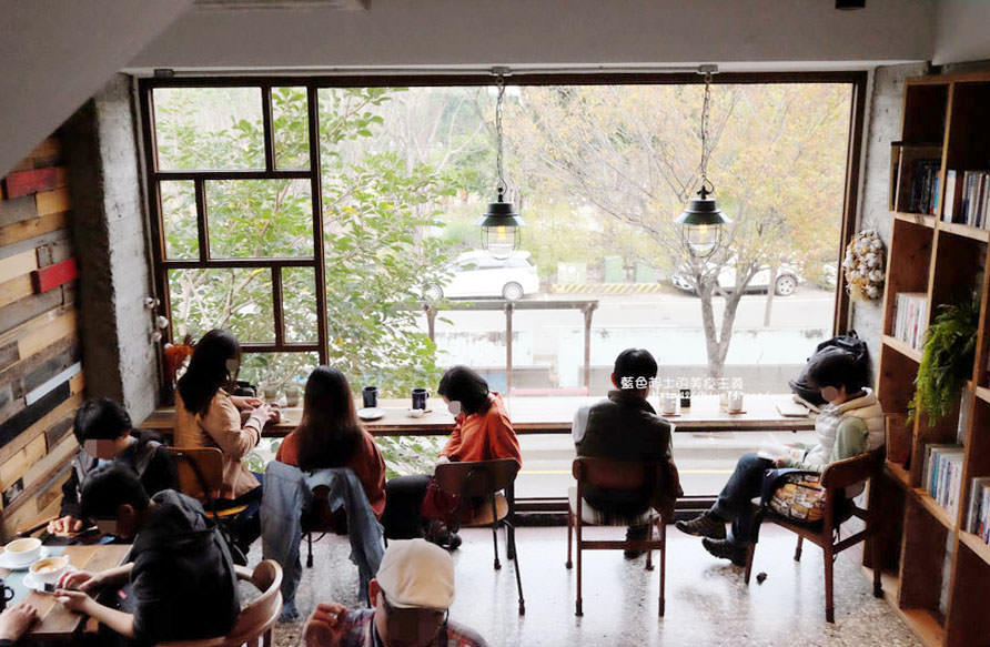 彰化員林│右舍咖啡-有著美麗窗景的員林人氣咖啡館,個人喜愛的口袋名單