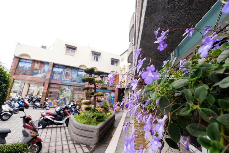 20180314173211 52 - 太平區公所3D石虎家族彩繪-兩層樓高的彩繪牆.石虎家族和花卉主題吸睛好看