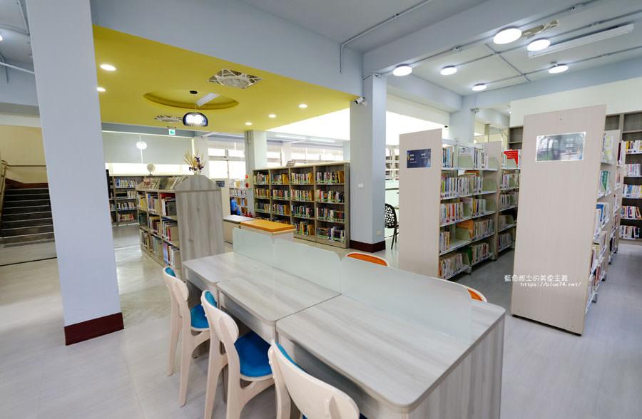 20180329105437 34 - 大雅圖書館│空間大改造的20年圖書館.大片玻璃有著大雅國小的綠意與充足光線
