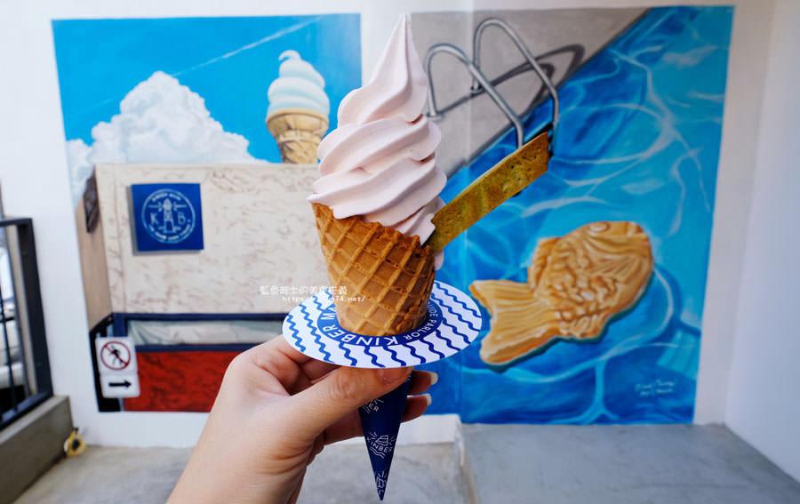 台中西區│Kinber金帛手製-清新綠意彩繪牆的金帛霜淇淋二店.有聖代.霜淇淋和鯛魚燒