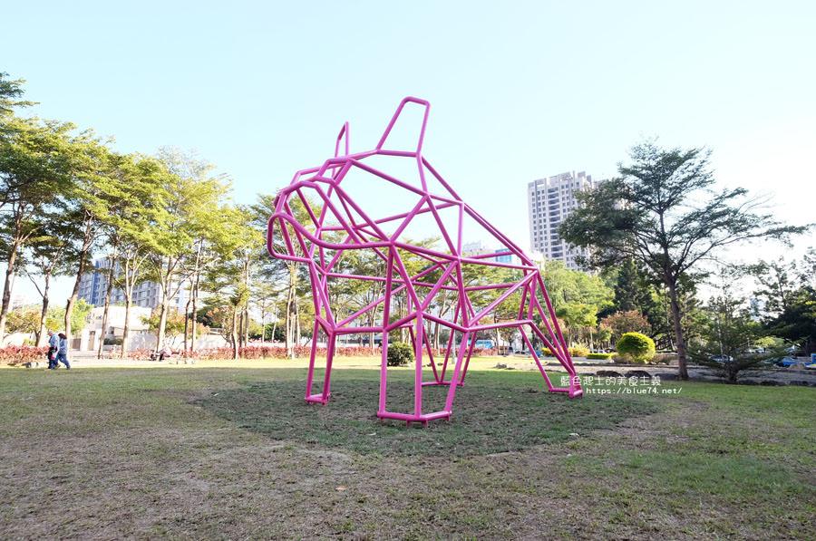 台中西區│粉紅鬥牛犬-草悟道打卡新地標.可愛又吸睛