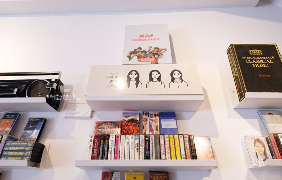 20180427000701 24 - 感傷唱片行│台灣唯一卡式帶專賣店,適合拍照放空的好地方,台中國美館巷弄特色小店
